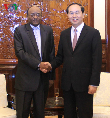 Chủ tịch nước: Hy vọng đón nhiều doanh nghiệp Sudan thời gian tới