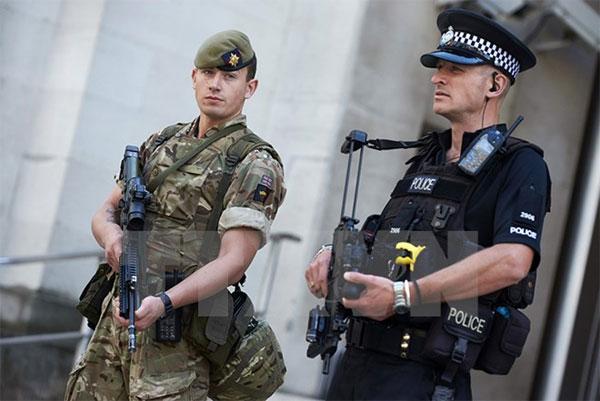 """Tình báo Anh xác nhận 23.000 đối tượng Hồi giáo nguy hiểm """"nằm vùng"""""""