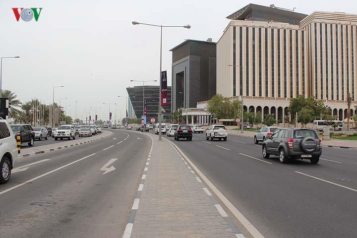 Dạo quanh đường phố thủ đô Qatar vừa bị nhiều nước Arab cô lập