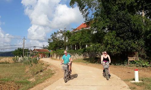 Cự Nẫm - từ làng binh trạm đến làng du lịch nổi tiếng thế giới