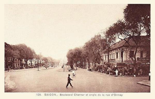 Đại lộ cà phê và phố bánh mì giữa Sài Gòn xưa