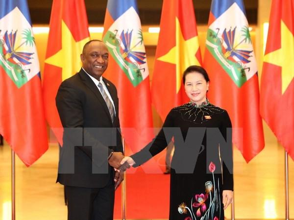 Chủ tịch Quốc hội đón và hội đàm với Chủ tịch Thượng viện Haiti