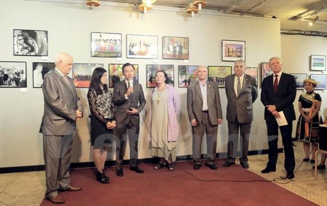 """Khai mạc triển lãm ảnh """"Việt Nam - Đất nước và con người"""" tại Nga"""