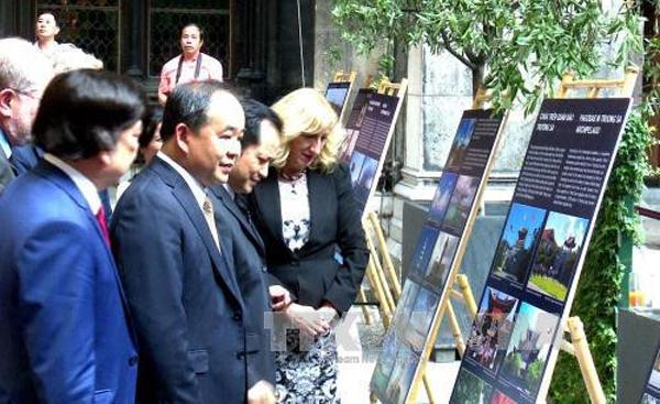 """Triển lãm ảnh: """"Việt Nam - Điểm hẹn thế giới 2017"""" tại Cộng hòa Áo"""