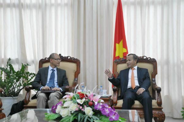 Thứ trưởng Vũ Hồng Nam tiếp Giám đốc Nhóm sáng kiến Việt Nam