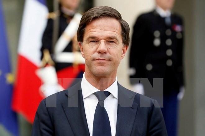 Kiều dân Hà Lan lấy quốc tịch Anh sẽ phải từ bỏ hộ chiếu Hà Lan