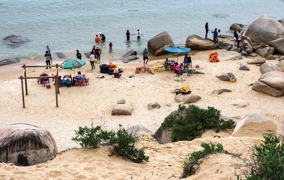 Yên bình bãi biển Trung Lương