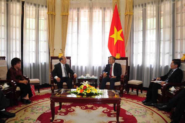 Thứ trưởng Ngoại giao Vũ Hồng Nam tiếp ông Yang Dao – Việt kiều Mỹ
