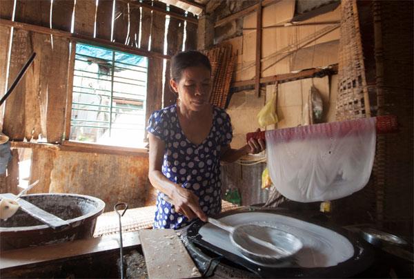 Nét độc đáo của làng nghề bánh tráng Nhơn Hòa