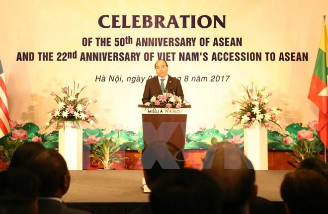 Thủ tướng Nguyễn Xuân Phúc chủ trì lễ kỷ niệm 50 năm thành lập ASEAN