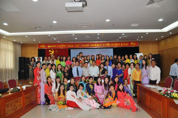 Gìn giữ tiếng Việt từ ý thức mỗi người Việt Nam ở nước ngoài