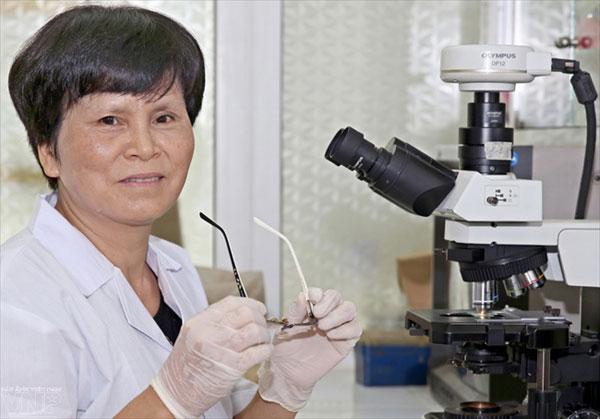 Nhà nữ khoa học biến rác thành hàng hóa