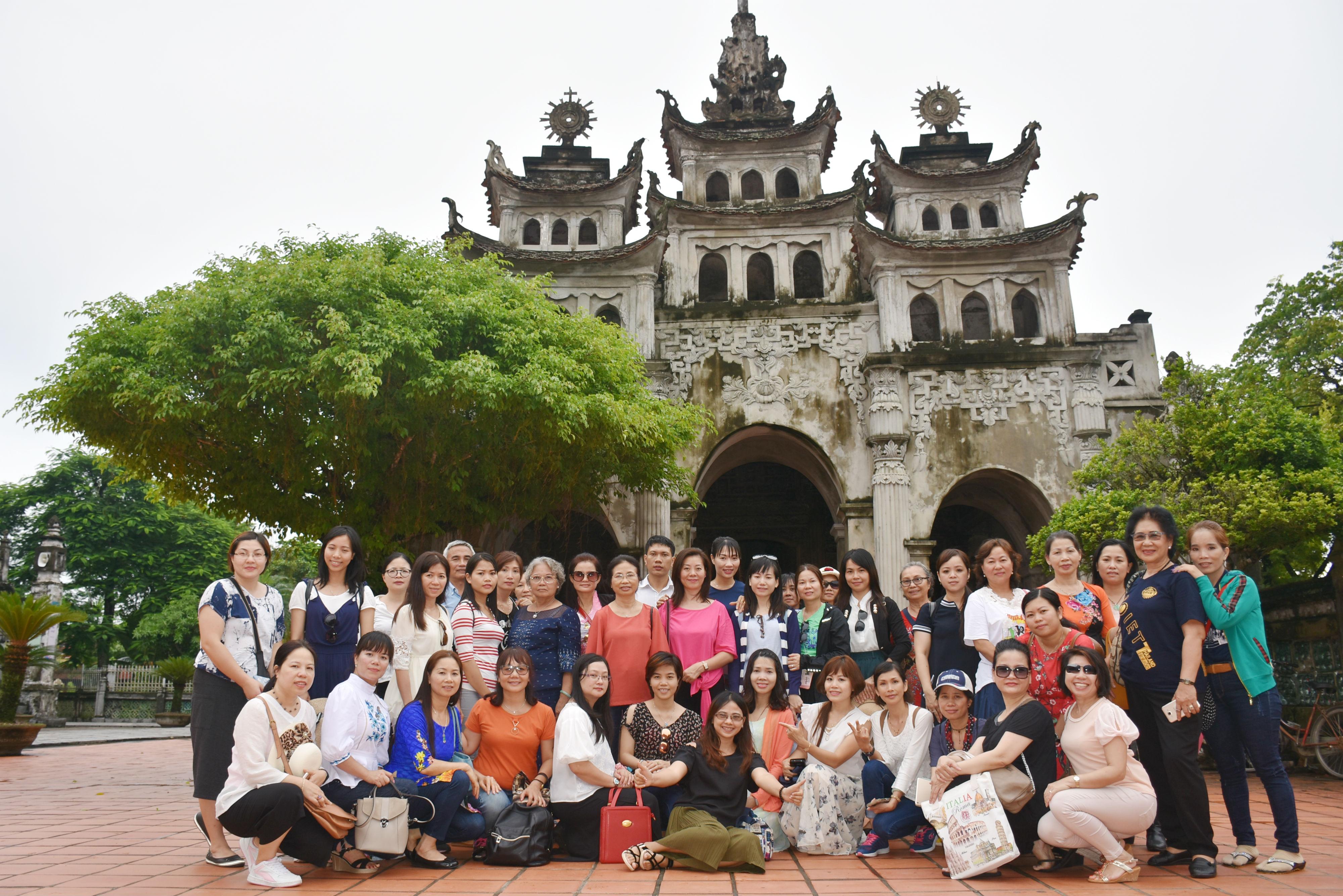 Nỗ lực giữ tiếng Việt cho con em kiều bào