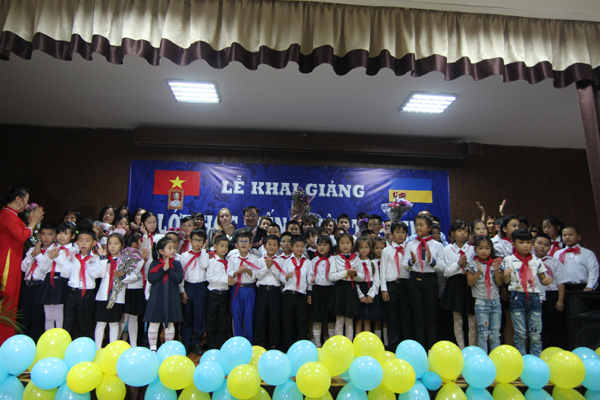 Khai giảng lớp tiếng Việt cho cộng đồng người Việt tại Kiev - Ucraina