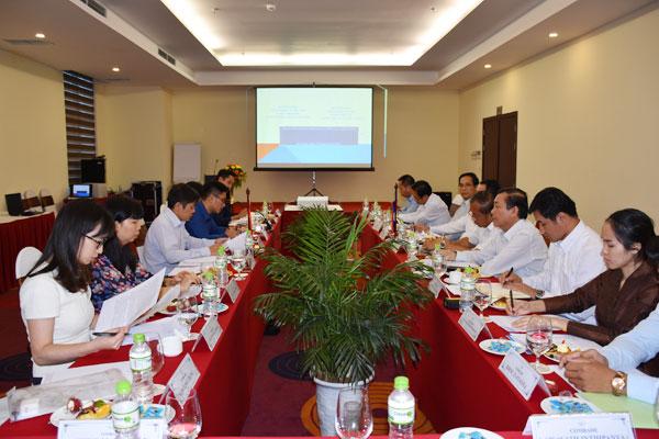 Việt - Lào: Hợp tác và chia sẻ kinh nghiệm trong công tác kiều dân