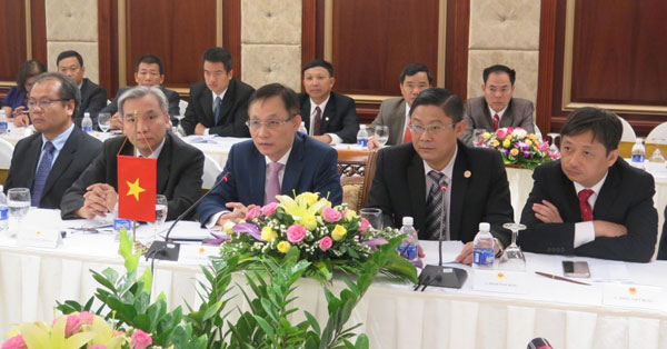Xây dựng đường biên Việt Nam - Lào hòa bình và phát triển bền vững