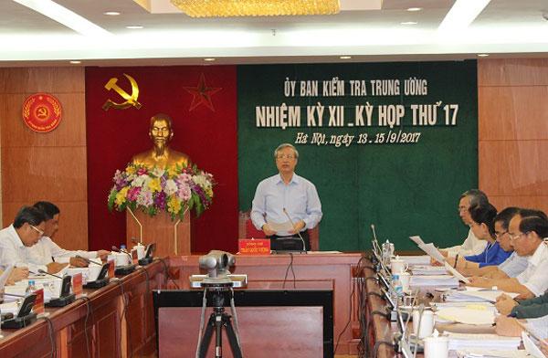 UBKTTW: Cảnh cáo ông Huỳnh Đức Thơ, đề nghị kỷ luật ông Nguyễn Xuân Anh
