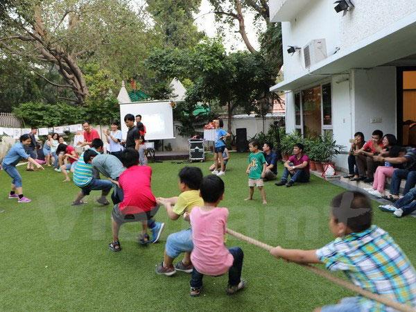 Rộn rã chương trình vui Tết Trung thu của trẻ Việt Nam ở Ấn Độ