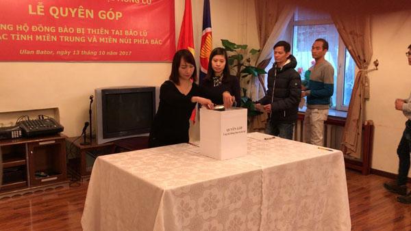 Đại sứ quán VN tại Mông Cổ tổ chức quyên góp ủng hộ đồng bào bị thiên tai