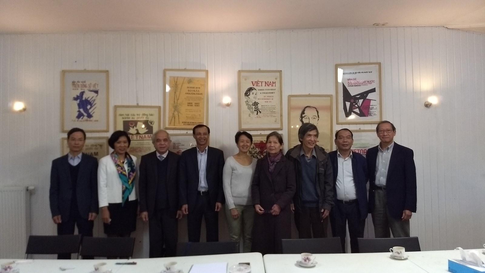 Đoàn công tác Uỷ ban Nhà nước về người VN ở nước ngoài thăm và làm việc tại Bỉ
