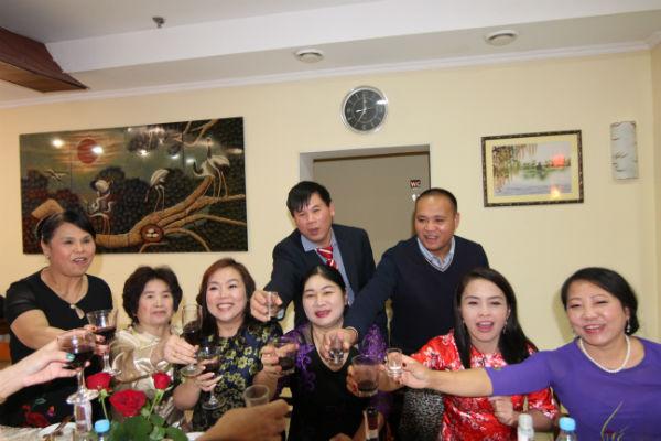 Chùm ảnh: Kỷ niệm Ngày Quốc tế Phụ nữ Việt Nam tại Kiev