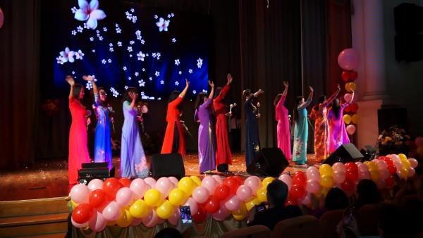 Lễ Kỷ niệm 10 năm  thành lập Hội phụ nữ Việt Nam thành phố Kiev