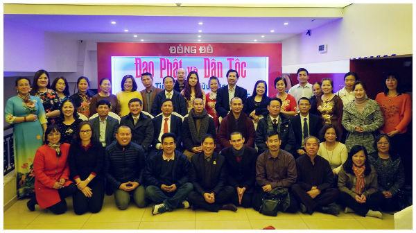 Gặp gỡ và giao lưu với người Việt Nam tại Cộng hoà Séc