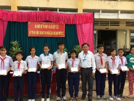 Hội người Việt Nam tại Pháp hướng về Việt Nam