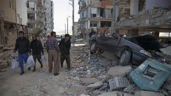 Động đất thảm khốc, hơn 400 người chết ở Iran