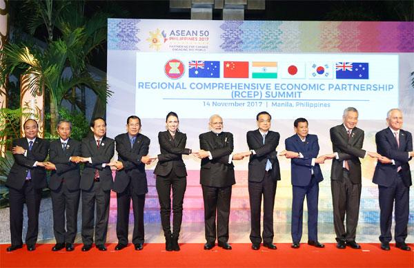 Thủ tướng dự các hoạt động bế mạc ASEAN-31