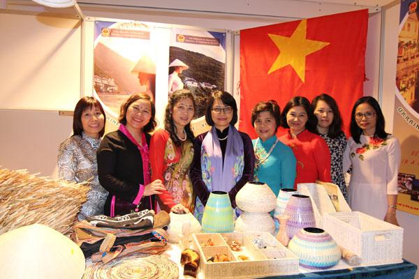 """Việt Nam tham gia Hội chợ từ thiện """"Charity Bazaar"""" 2017"""