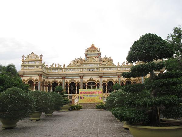 Chùa Vĩnh Tràng – nét giao thoa kiến trúc Đông Tây tinh tế