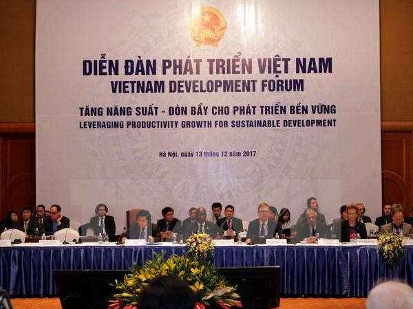 Khai mạc Diễn đàn Phát triển Việt Nam 2017 với chủ đề tăng năng suất