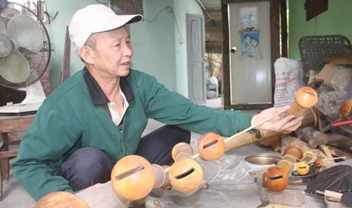 Người giữ hồn quê Việt