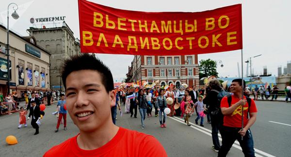 Một năm không dễ dàng đối với người Việt ở Nga