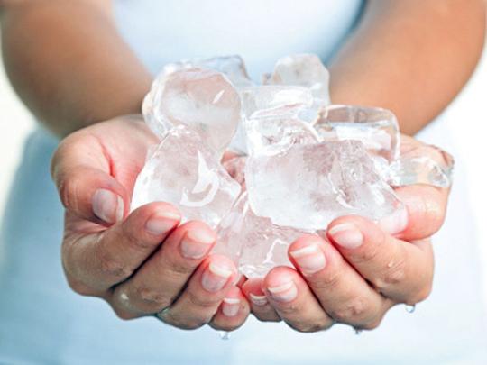 Giải quyết mọi vấn đề về da nhờ viên nước đá