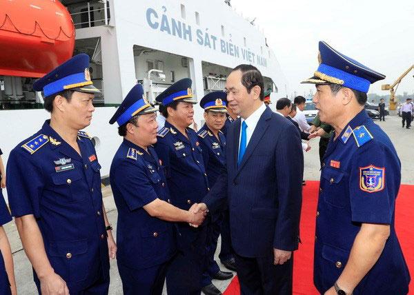 Chủ tịch nước thăm, chúc Tết chiến sỹ vùng Cảnh sát biển 3