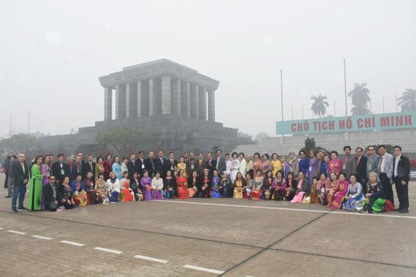 Những ngày về quê hương đầy cảm xúc của Đoàn cựu giáo viên kiều bào tại Thái Lan