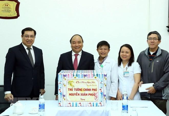 Thủ tướng thăm, kiểm tra công tác ứng trực Tết tại Bệnh viện C Đà Nẵng