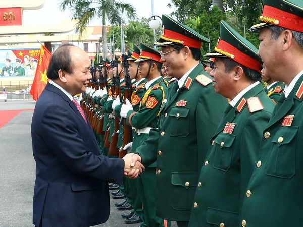 Thủ tướng Nguyễn Xuân Phúc đến thăm và làm việc tại Quân khu 5