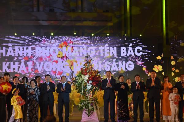 Thứ trưởng Vũ Hồng Nam:  Phát huy đồng bộ, toàn diện nguồn lực cộng đồng NVNONN