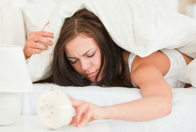 4 dấu hiệu khi ngủ dậy cảnh báo có bệnh