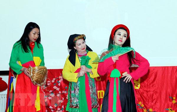 Gìn giữ bản sắc văn hóa dân tộc trong cộng đồng người Việt tại Italy