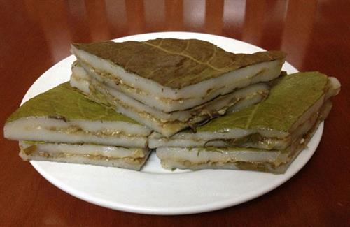 Bánh nếp nhân trứng kiến Tuyên Quang