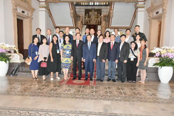 Lãnh đạo TP. Hồ Chí Minh: Kiều bào trẻ góp phần xây dựng thành phố