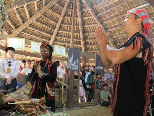 Lễ hội Cầu mùa (A Za Koonh) của dân tộc Tà Ôi