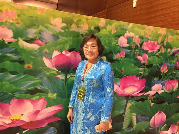 Cô giáo bản Mạy ở Nakhon Phanom