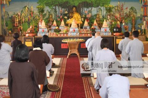 Lễ cầu siêu tưởng niệm các anh linh liệt sỹ tại chùa Vĩnh Nghiêm
