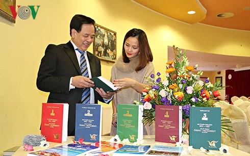 Ra mắt Tập 5 bộ Đại từ điển giáo khoa Czech-Việt
