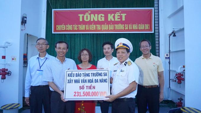 Đoàn kiều bào thăm Trường Sa: Đến với đảo Tốc Tan, Phan Vinh, Đá Đông và Trường Sa Lớn